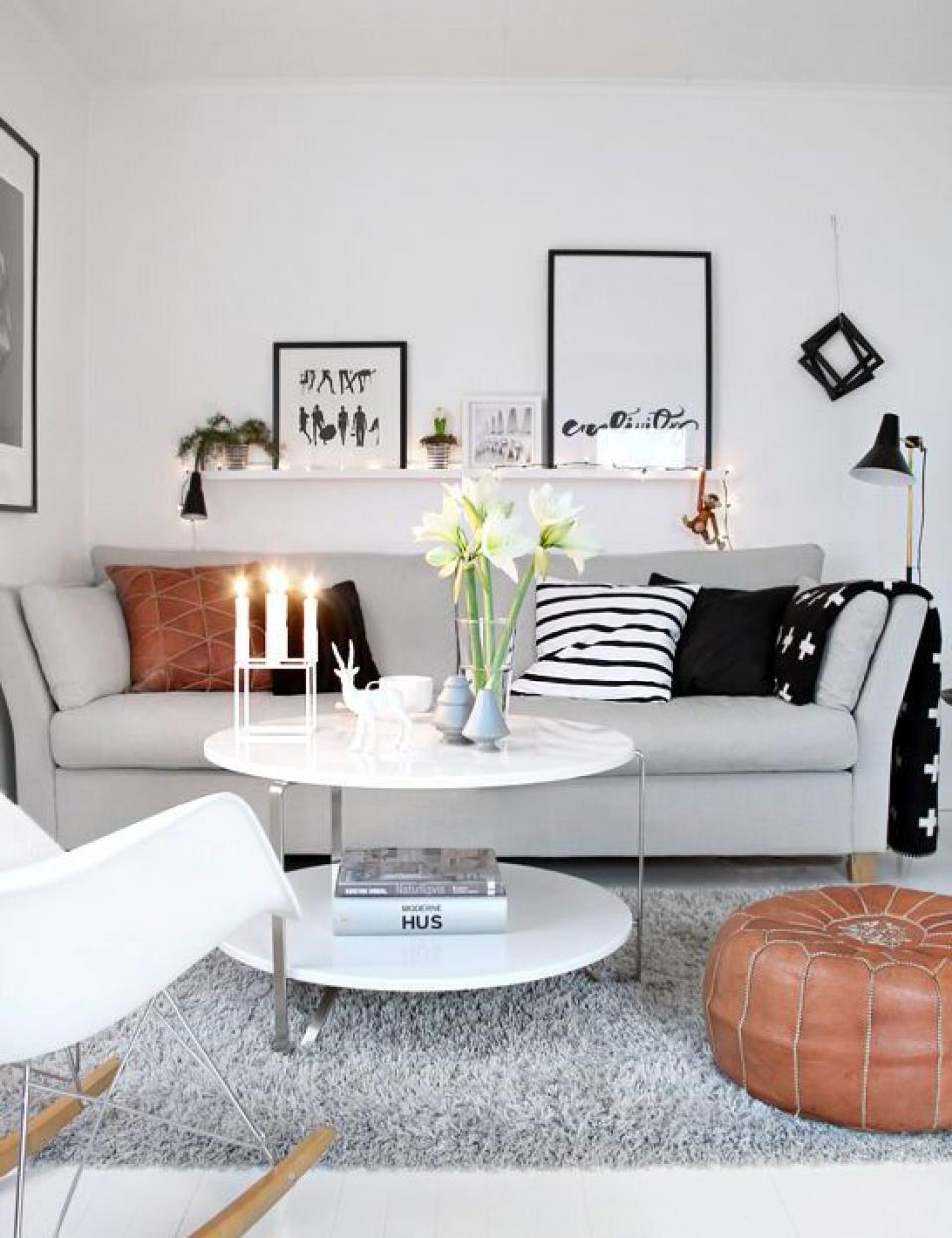 white-small-livng-room-theme-for-modern-small-space-decoration