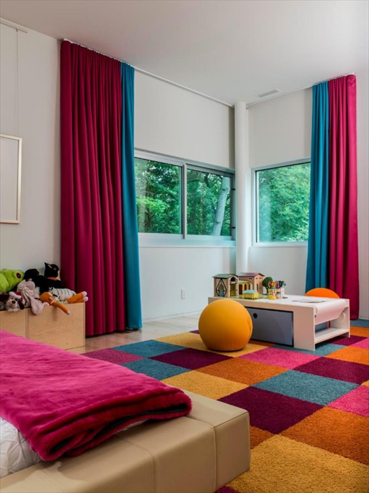 charming-interior-design-colors-theme-with-blue-and-red-curtain-for-modern-colors-interior-design