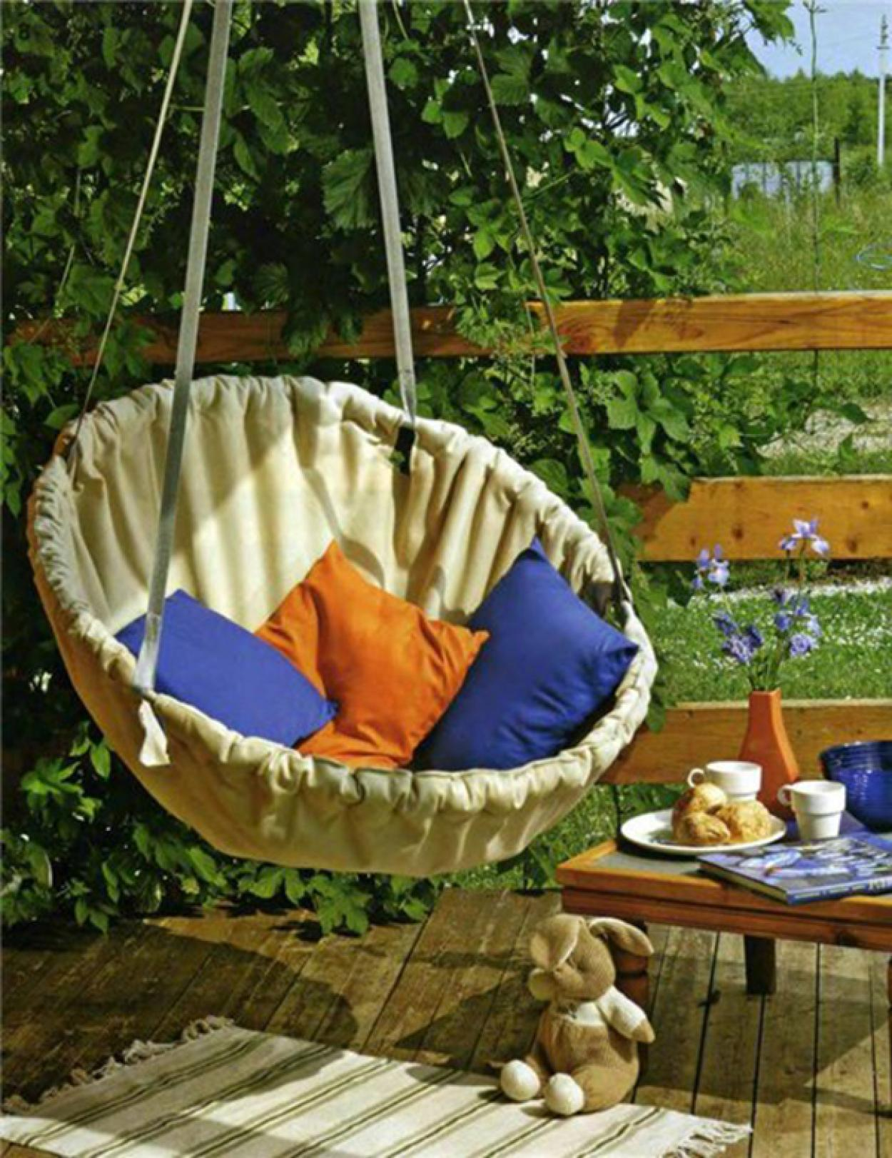 comfy-outdoor-diy-ceiling-hanging-chair | Home Inspiring