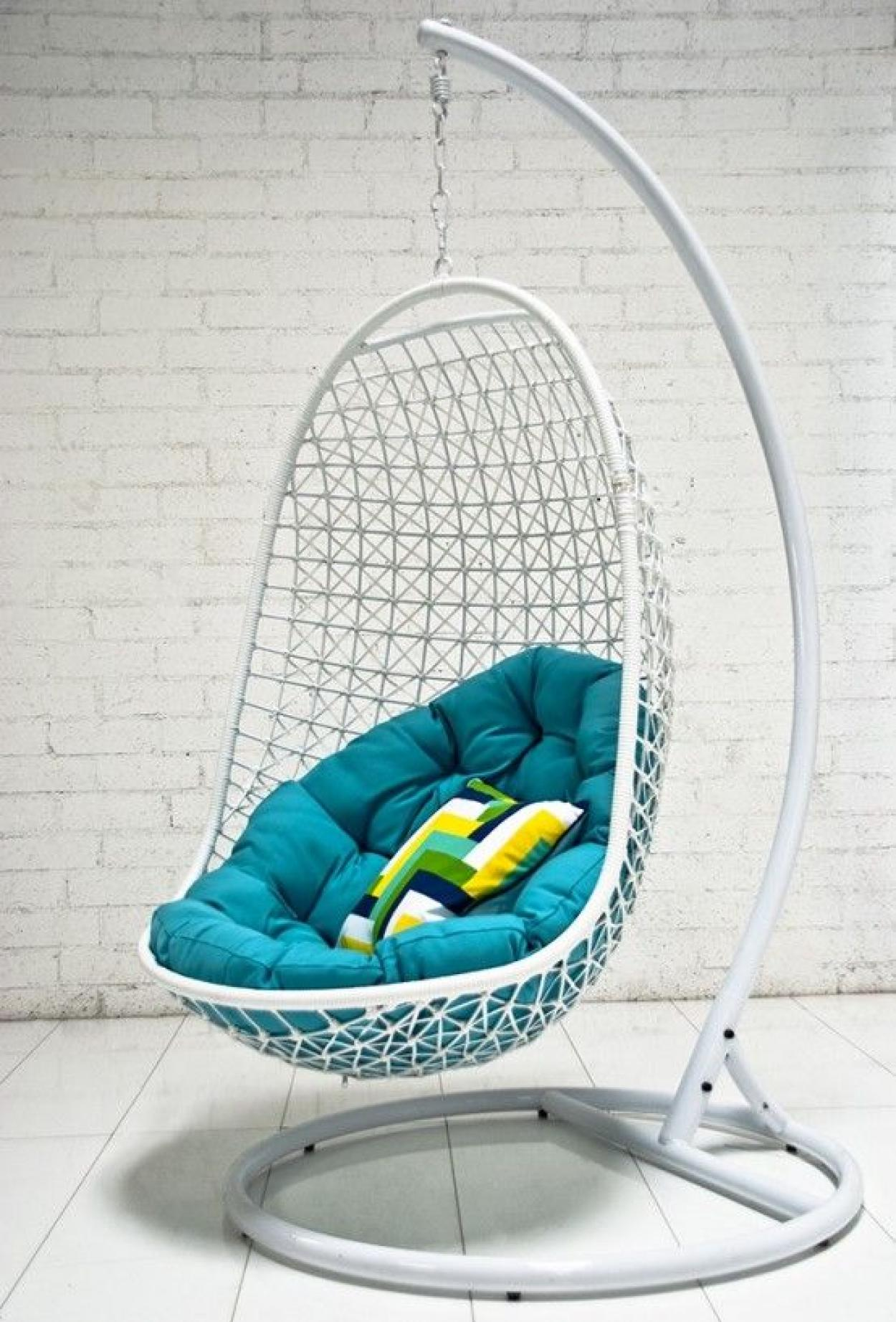 white hanging ceiling egg chair