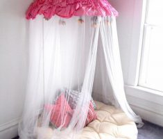DIY Papasan Corner Reading Chair with Curtain