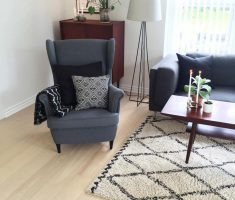 Elegant Simple Black Corner Reading Chair