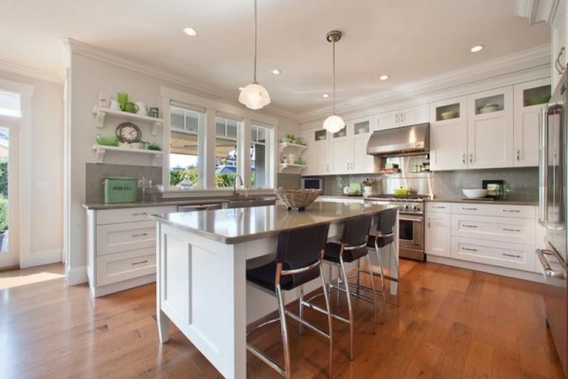Best quartz countertops kitchen inspirations for Gray kitchen cabinets with white countertops
