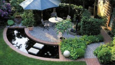 Inspiring Cute Small Patio Design Ideas 12
