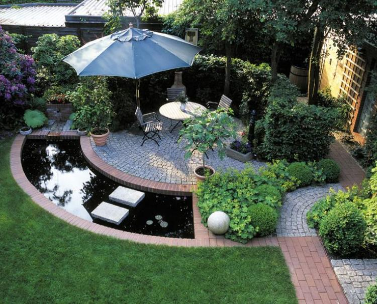 Inspiring cute small patio design ideas Small backyard designs pictures