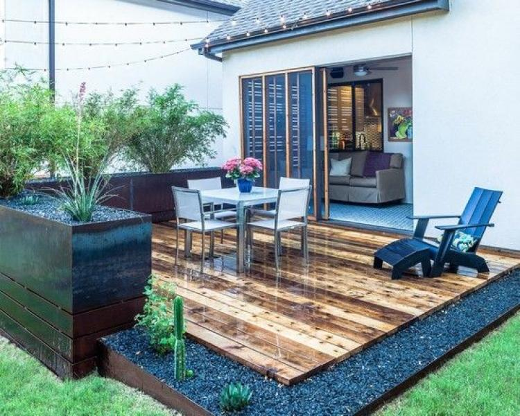 Inspiring Cute Small Patio Design Ideas 18