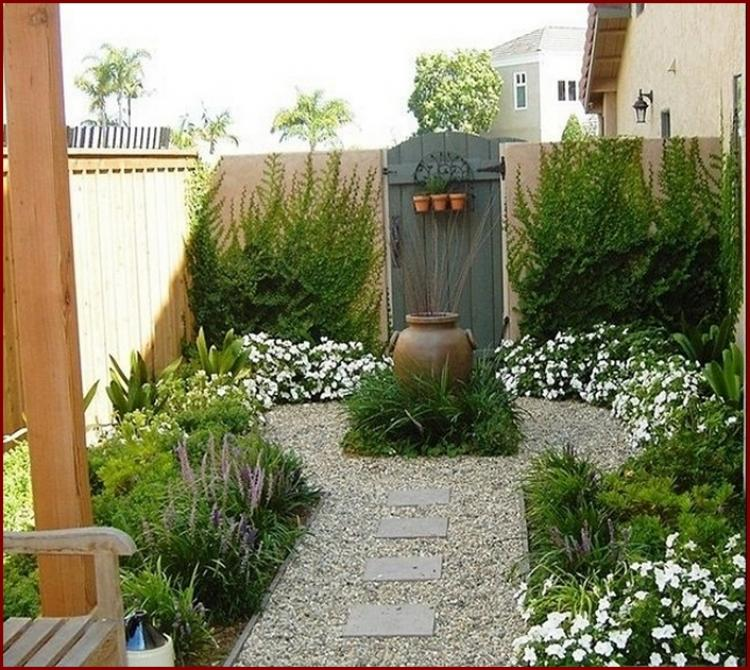 Inspiring Cute Small Patio Design Ideas 28