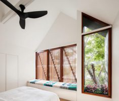 House In Australia Received A Cantilevered Extension 4