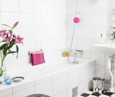 Beautiful White Monochrome Scandinavian Bathrooms 19