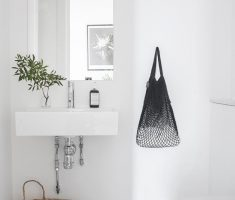 Beautiful White Monochrome Scandinavian Bathrooms 8
