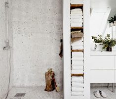 Beautiful White Monochrome Scandinavian Bathrooms 9