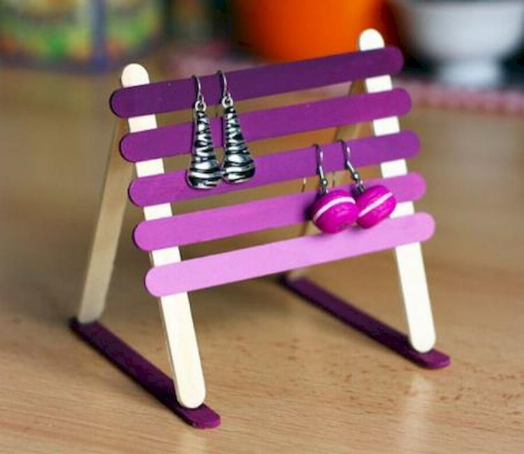 Have You Got A Catchy Child Nurture His Creative Soul With These Fun Ideas For Creating Only Couple Of Inexpensive Crafts Materials Are Going