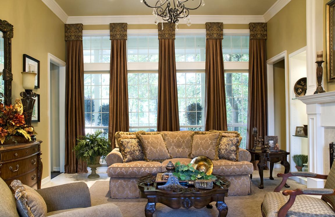 country-style-living-room-with-window-treatments-for-bay-windows-suit