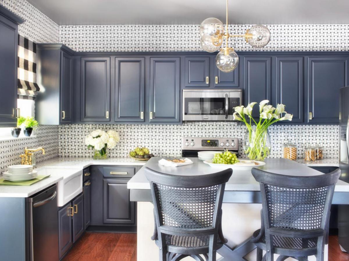 magnificent-diy-painting-kitchen-designing-with-grey-and-white-themed