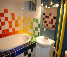 cheerful-bathroom-decoration-for-kid-with-colorful-tiles