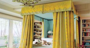 cheerfully-yellow-curtain-canopy-beds