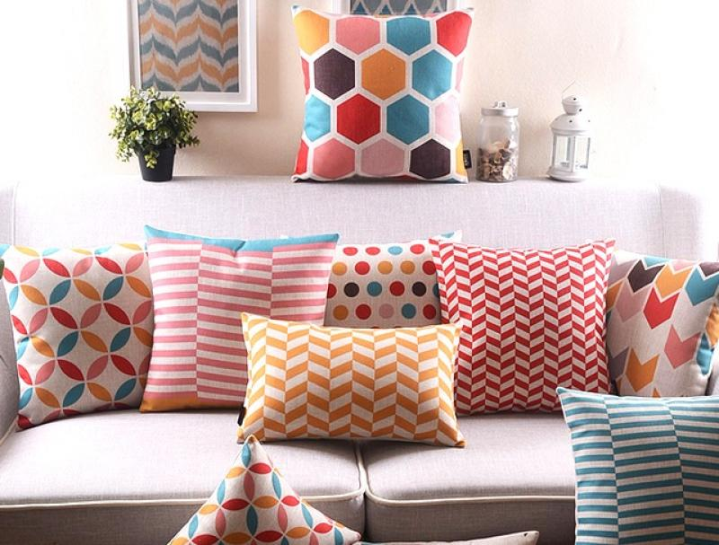 comfy-grey-sofa-with-cute-colors-of-throw-pillow-covers-design