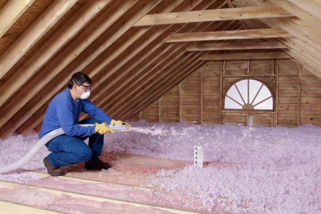 spray-attic-insulation-blown