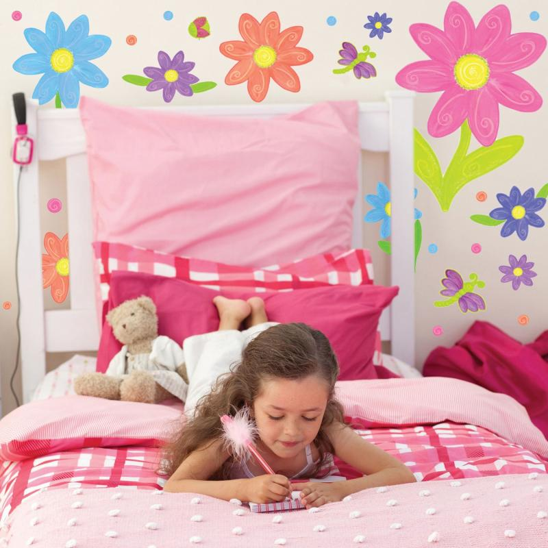 wall-stickers-girls-bedrooms-with-flowers-white-and-pink-theme-colors