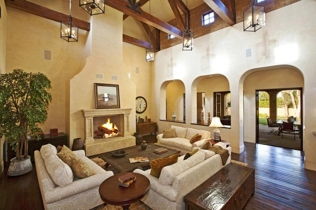 comfortable-mediterranean-style-homes-interior-with-fireplace