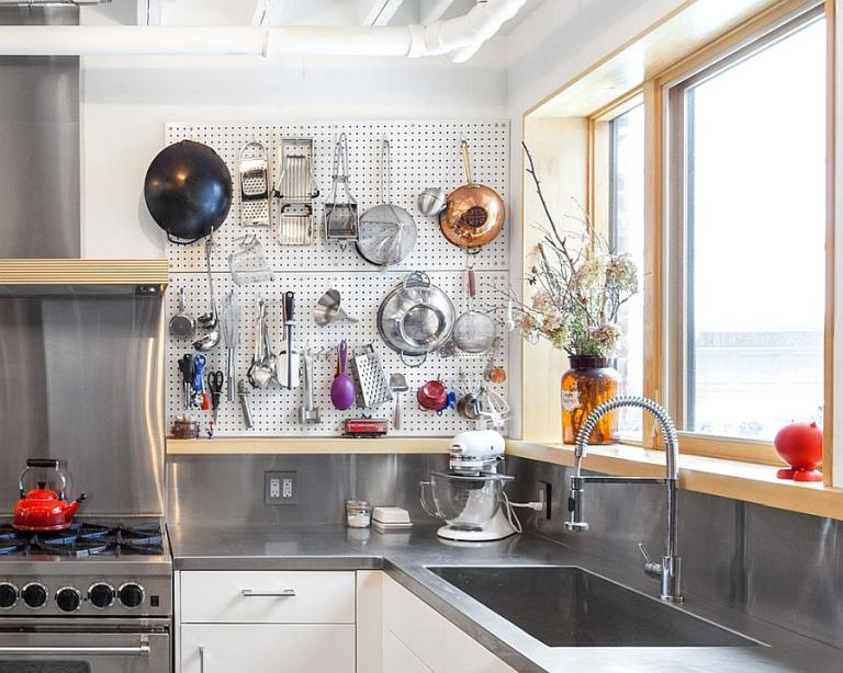 15 Kitchen Storage Pegboard Ideas